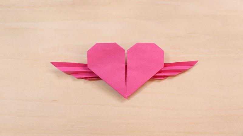 带翅膀的爱心怎么折